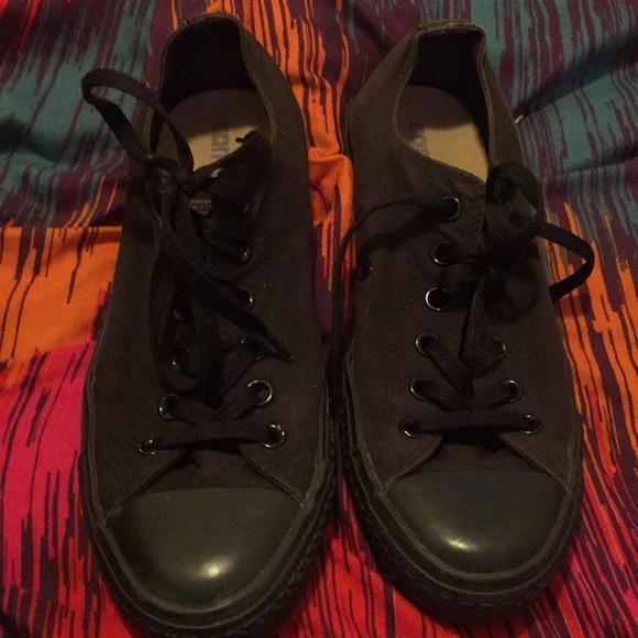 Converse Shoes - Converses